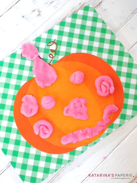finished-play-dough-pumpkin