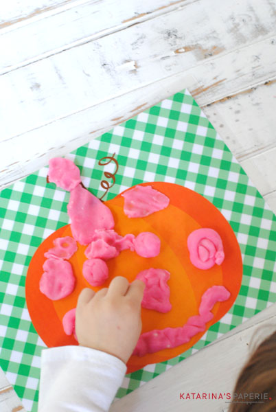 Play-Dough-Pumpkin-Nose