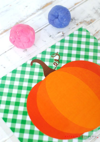free-printable-pumpkin-play-dough-mat